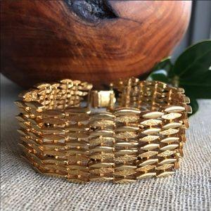 Pegasus Coro Vintage Goldtone Weave Bracelet